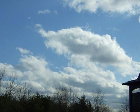spring_clouds